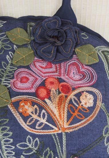 立体花、刺繍のアップ