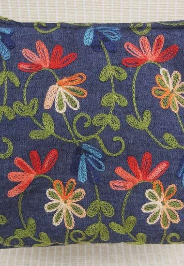 刺繍花のアップ