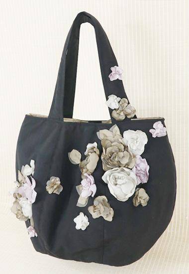 黒xカラフル花