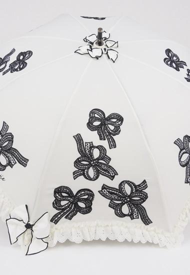リボン、刺繍飾り
