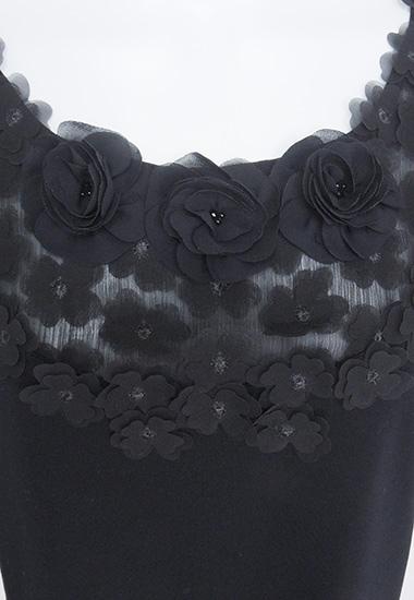 オーガンジーのお花、小花飾りのアップ