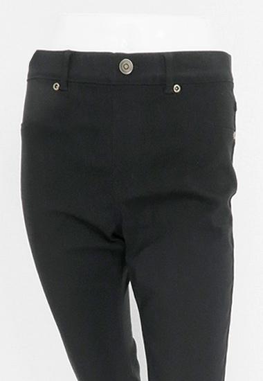フロントウエスト周り、ポケット、ボタンは飾りです