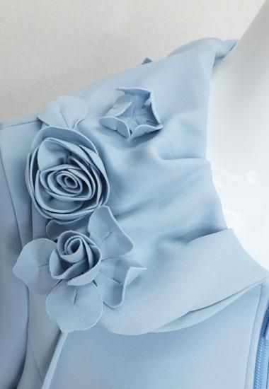お花を飾った衿