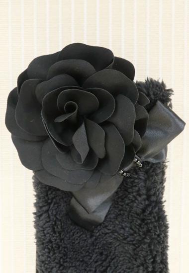 お花、リボン飾りのアップ